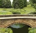 ponte-de-pedra-no-campo-31340649